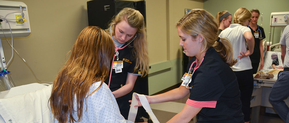 School of Physical Therapy students and faculty joined School of Nursing students and faculty for an interprofessional simulation in the Essig Simulation Center.